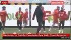Galatasaray'da Sneijder Zirvesinden Karar Çıktı: Gitmek İstiyorsa Gidebilir