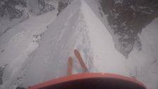 Kayakçıların Dağın Zirvesinden İnişi