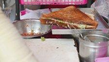 Mumbai Tostçusu - Hindistan Sokak Yemekleri