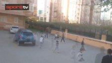 Lens Sokakta Çocuklarla Maç Yaptı