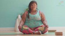 Yoganın Sınırlarını Zorlayan Şişman Kadın