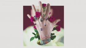 Machine Gun Kelly ft. Quavo, Ty Dolla $ign - Trap Paris