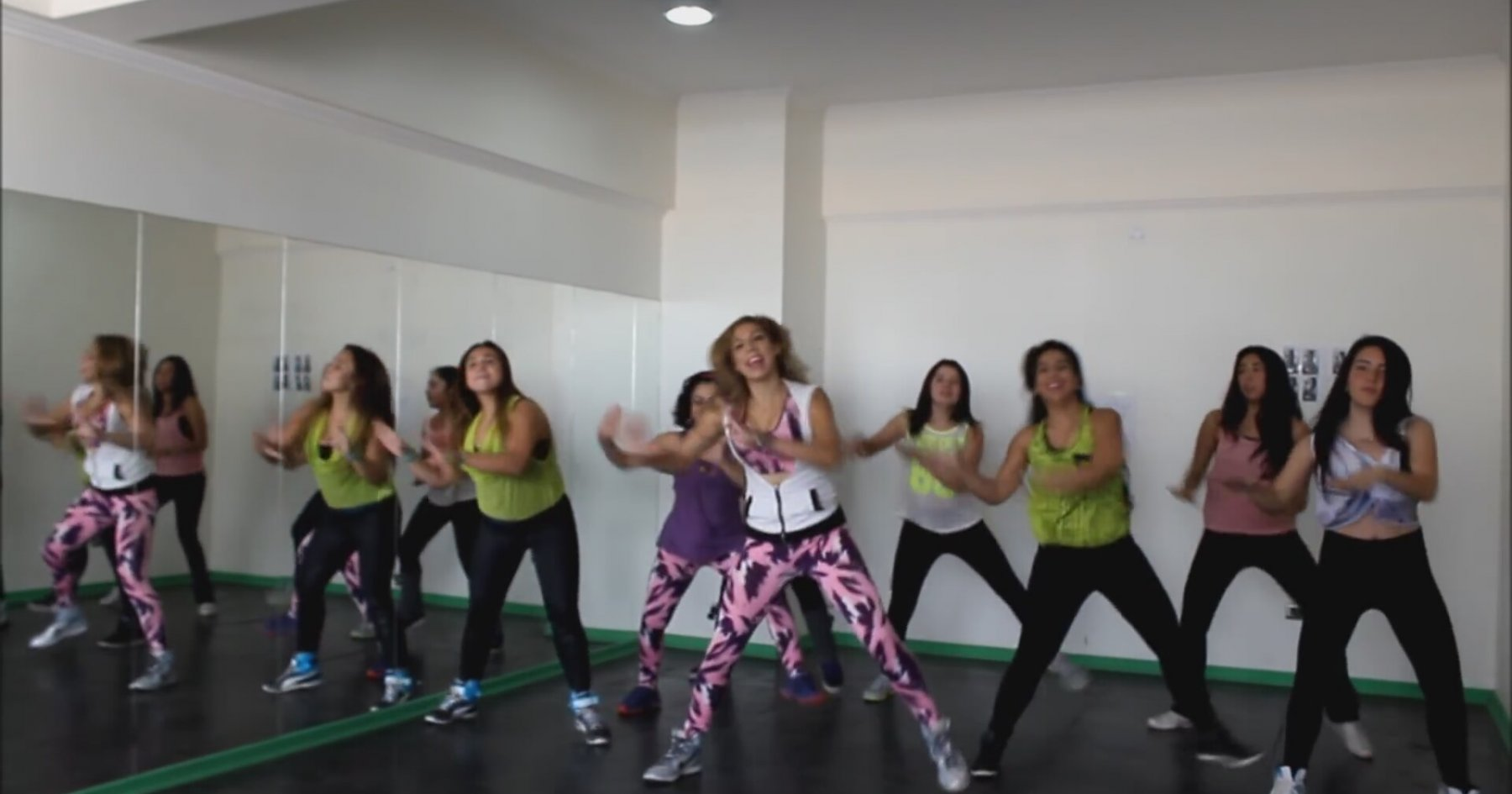 TRAVESURA ZUMBA FITNESS ROMY SIBEL CHILE СКАЧАТЬ БЕСПЛАТНО