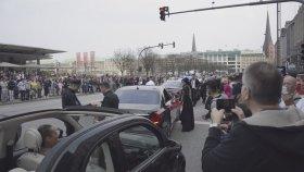 Dügün Konvoyu'nu Durduran Polisler
