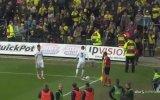 Rakip Futbolculara Ölü Fare Atan Taraftarlar