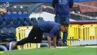 Dani Alves Cam Nou'yu Görünce Çimleri Öptü
