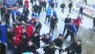 Medipol Başakşehirli Futbolcuların Muhabire Saldırı Anı Kamerada