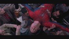 Örümcek Adam, Doktor Oktobus, Tren Kavgası (2004)