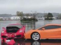 Ferrari ile Lamborghini'ye Toslamak