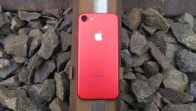 Kırmızı iPhone 7 Üzerinden Tren Geçerse
