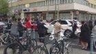Berlin'de Düğün Konvoyunun Önünü Kesip Yol Ortasında Oynayan Türkler.