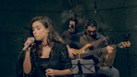 Tuğba Yurt - Bekle (Akustik Canlı Performans)