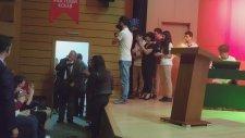 İlber Ortaylı Salona Giriş ve Coşkulu Karşılama Bahçeşehir Mektebim Okulunda Öğrenciler ile Buluştu