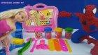 Örümcek Adam ve Barbie oyun hamurundan sevimli canavar yapıyor - Barbie çantalı oyun hamuru seti