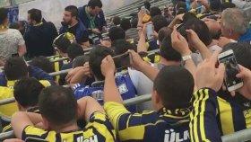 Beşiktaş - Fenerbahçe Maçında Porno İzleyen Eleman