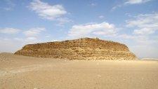 Bilinmeyen Mısır Piramitleri