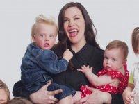 Anneleri Lezbiyen Olan Bebeklerin Giyim Reklamı