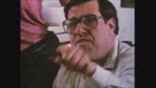 Riff Raff (1991) Fragman