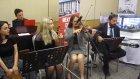 Karşılama Müziği ve Farklı Dillerde Solo Şarkılar Müzik Öğretmenleri Solist Melike Aysın Gamgam
