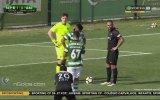 Yedek Futbolcunun Elle Müdahalesine Penaltı Veren Hakem