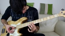 Stres Çarkıyla Bas Gitar Çalan Adam