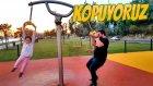 Çocuk Parkında Kopuyoruz 250 Kilo Tahterevalliye Binerse Ne Olur?