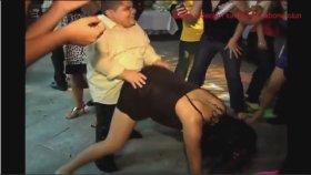 Mezuniyet Balosunda Tahrik Edici Dans