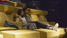 Sinemada Ağlatan Evlilik Teklifi Sürprizler Diyarı