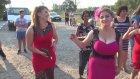 Göğüsleri Elbisesine Sığmayan Yenge Düğünde Döktürüyor