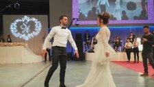 Hakan Çalhanoğlu'ndan Düğününde Zeybek Şov