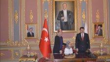 İstanbul Valisi Vasip Şahin 23 Nisan Kabulünde Mektebim Öğrencilerini Ağırladı