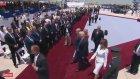 Melania Trump, Donald Trump'ın Elini itti