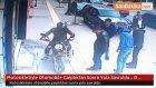 Motosikletiyle Otomobile Çarptıktan Sonra Yola Savruldu... O Anlar Güvenlik Kamerasında
