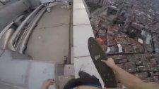200 Metre Yükseklikte Kaykay Şovu Yapan Çılgın Genç