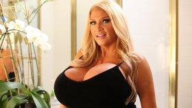 Göğüsleriyle Yıllık 100.000 Dolar Kazanan Kadınla Tanışın: Allegra Cole
