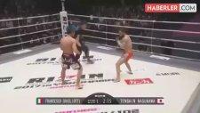 MMA Dövüşçüsü, Rakibini Tek Tekmeyle Nakavt Etti