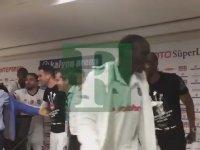 Basın Toplantısını Basan Futbolcular - BJK