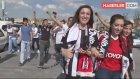 Beşiktaş Taraftarı Çarşı'da Şampiyonluğu Bekliyor