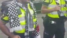 Üçlü Çektiren Hollanda Polisi