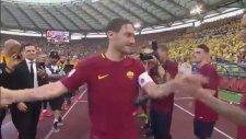 Roma Efsanesi Totti'nin Duygulandıran Vedası