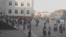 Okul Zilinin Yansın Geceler Pelinsu Eceler Olması