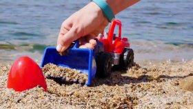 Plajda Sürpriz Yumurta (Surprise Egg On Beach)