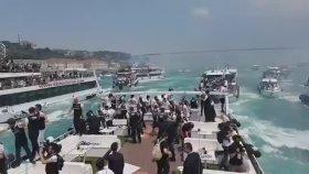 Beşiktaş'ın Kutlamasındaki Tekne Kazasının Görüntüleri