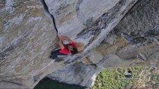 Çıplak Elle El Capitan Dağına Tırmanan Manyak