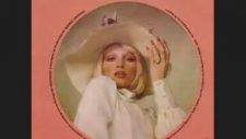 Ajda Pekkan -  Kimler Geldi Kimler Geçti (1975)