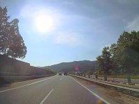Kaza Yapan Otomobilin Fırlayıp Otobüsün İçine Girmesi