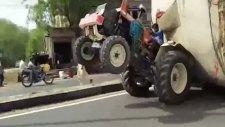 Traktörle iki Teker Üzerinde Malzeme Taşımak