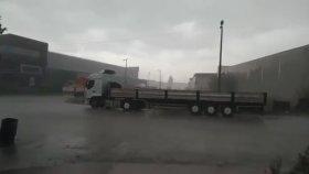 Adana'da Sağnak Yağmur ve Dolu