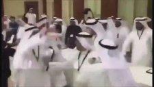 Suudi Arabistan Ve Katar Heyetinin Birbirine Girmesi