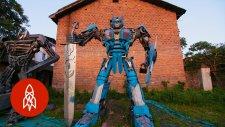 Hurda Parçalar Kullanarak Transformers Robotları Üreten Baba ve Oğul!